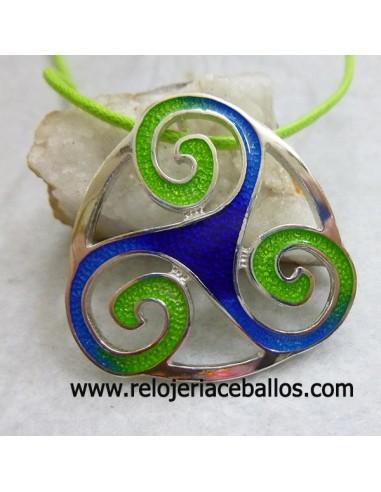 Triskel de plata con esmalte TEF085