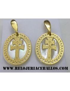 Cruz de Caravaca pendientes...