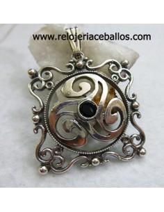 Triskel plata con azabache ref R209