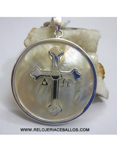 Cruz de la Victoria  sobre nácar ref ALC30