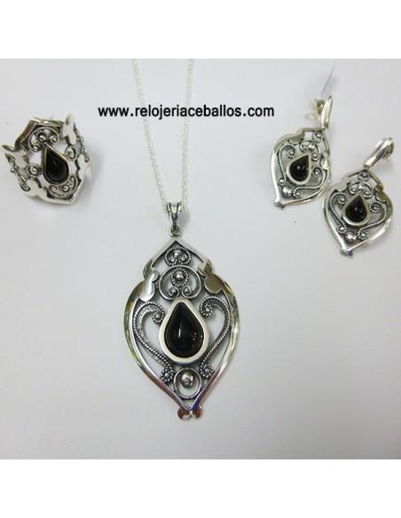 Sortija de plata con azabache y filigrana T115044