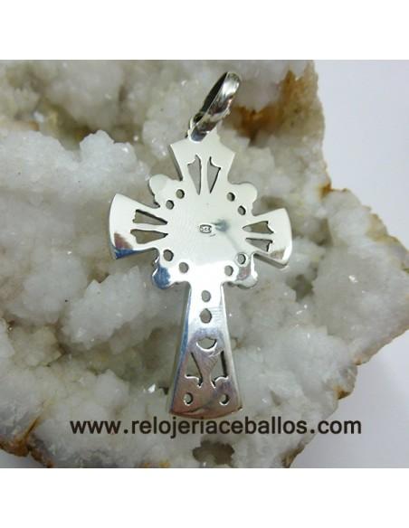 Cruz de plata con azabache y coral k-16
