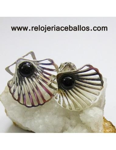Pendientes con concha de Santiago R983