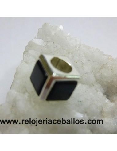 Abalorio cubo con azabache RH061
