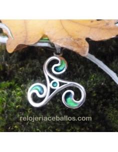 Triskel con Esmalte Verde...